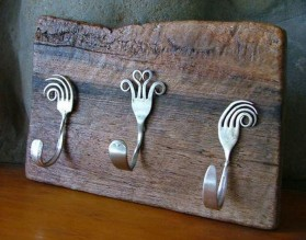Recycled-Crafts-Metal-Tableware-DIY-Home-Decoration.jpg