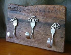 Recycled-Crafts-Metal-Tableware-DIY-Home-Decoration.jpg